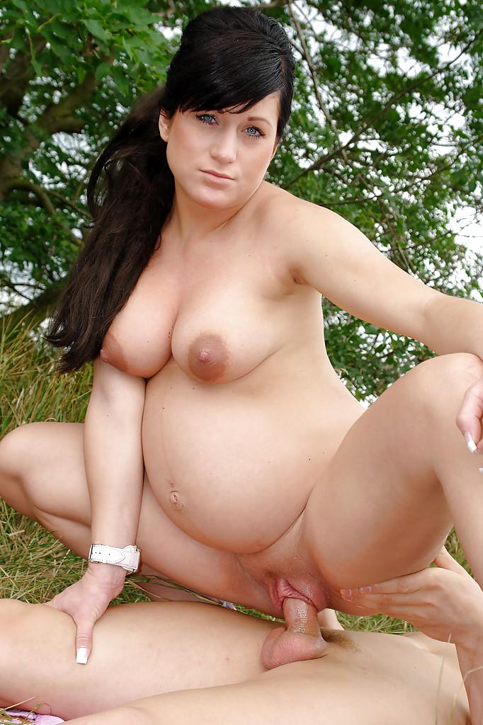Беременные молодые голые фото
